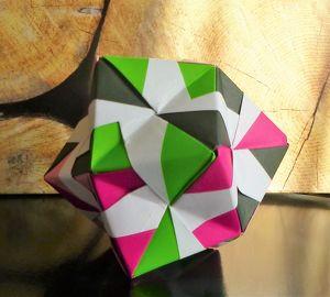 Die Kunst des Papierfaltens - ORIGAMI
