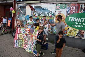 Ferienprojekt These Are The People In Your Neighbourhood