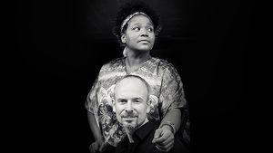 Los del Barrio mit Gina Duenas - leidenschaftliche kubanische Musik