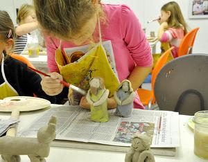 Kinder Keramik Kurs Krippenfiguren